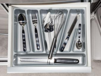 55da7b2d5a_cutlery holder.jpg